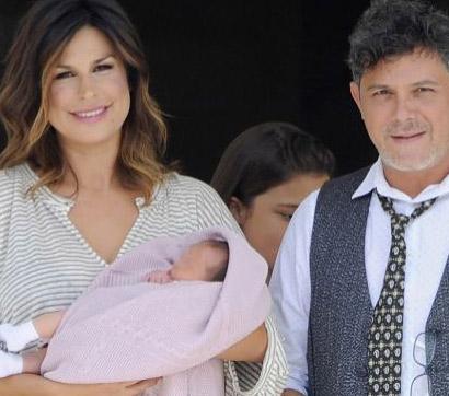 Alejandro Sanz presentó a su hija