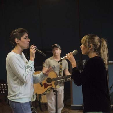 Ha-Ash en estudio de grabación