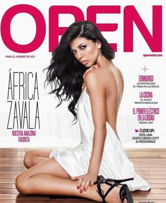 África Zavala en revista Open