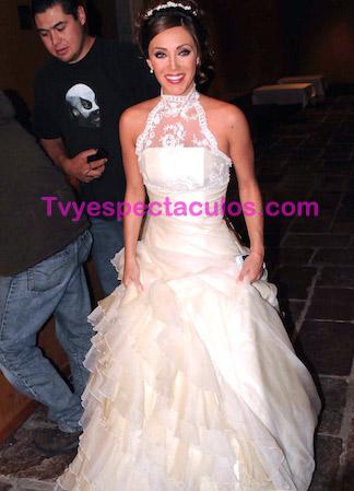 Anahi vestida de novia