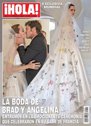 Angelina Jolie y Brad Pitt en su boda