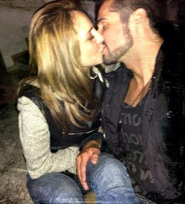 José Ron e Irán Castillo beso