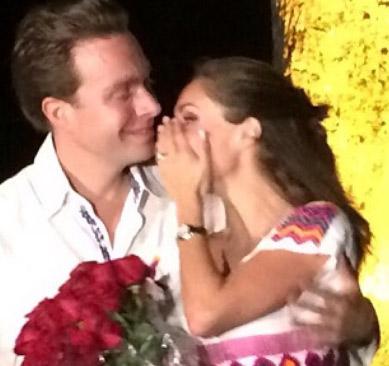 Anahí confirma su compromiso con Manuel Velasco