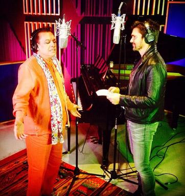 Juanes y Juan Gabriel en el estudio
