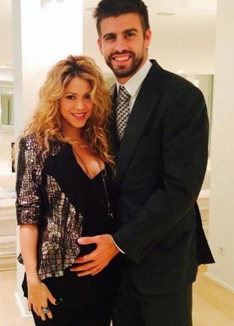 Shakira presume su pancita