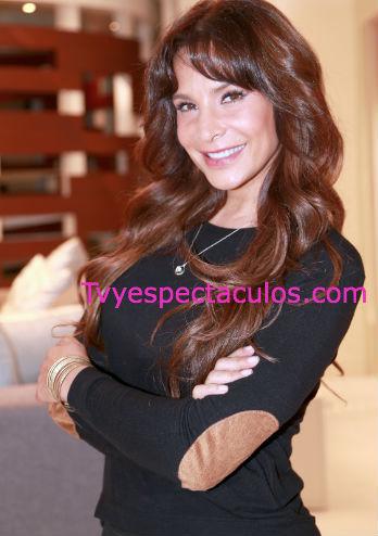 Feliz cumpleaños a Lorena Rojas