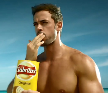 William Levy en comercial de Sabritas
