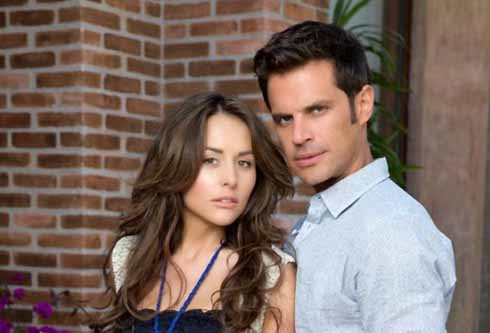 Zuria Vega y Mark Tacher