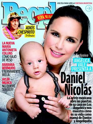 Angelica Vale con su hijo en People