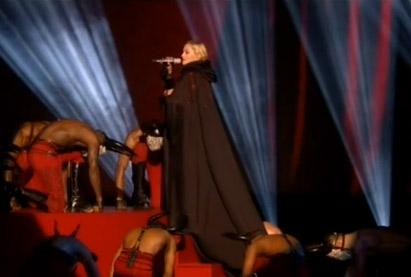 Caída de Madonna en Brit Awards