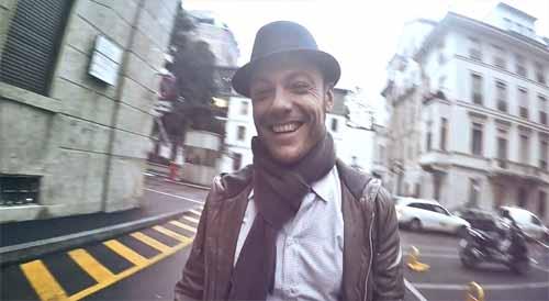 Encanto Video de Tiziano Ferro con Pablo López