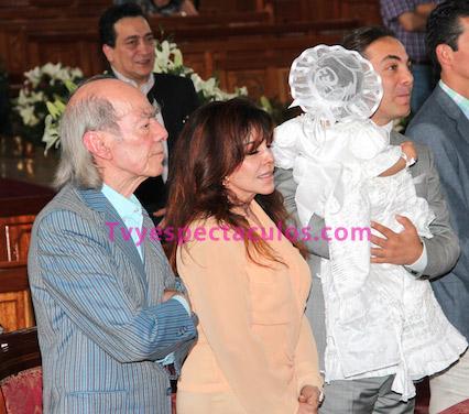 Cristian Castro bautizó a su hija