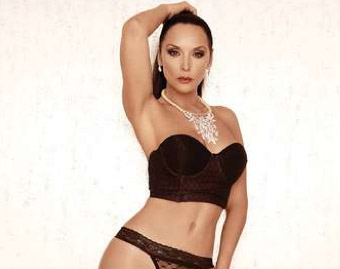 Mayra Rojas posó en revista Open