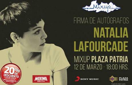 Natalia Lafourcade en Plaza Patria