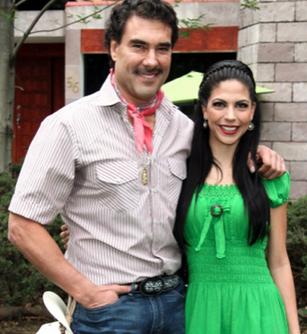 Eduardo Yánez y África Zavala
