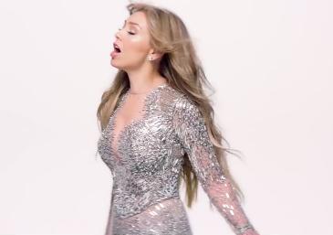 Video Solo parecía amor de Thalía