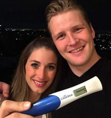 Alexander Acha espera bebé
