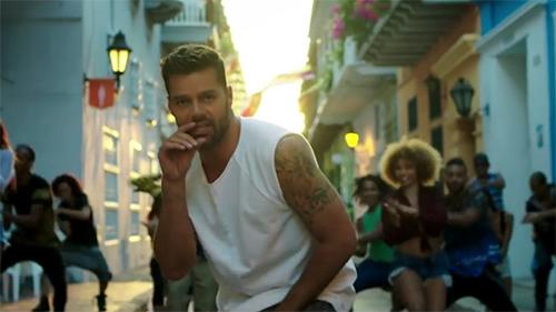 Ricky Martin en video La Mordidita