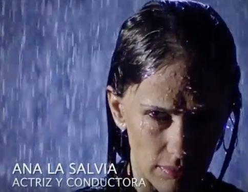 Ana La Salvia en La Isla