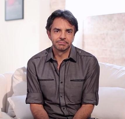 Eugenio Derbez en Capaña Lee en español