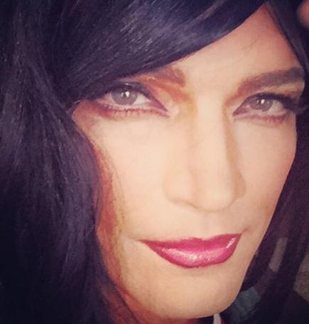 Julian Gil como mujer