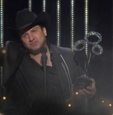 Julión Álvarez en Premios Bandamax
