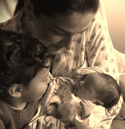 Lidia Avila y sus hijos
