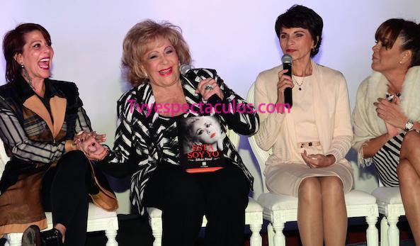 Silvia Pinal presentó su libro Esta soy yo