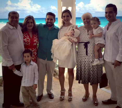 Bautizo del hijo de Mariana Ochoa