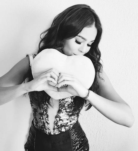 Dia del amor y la amistad Danna Paola