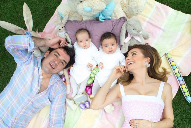 Elizabeth Alvarez e hijos en Pascua