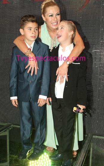 Leticia Calderón e hijos