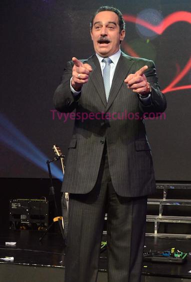 Omar Fierro alista programa en Tv Azteca