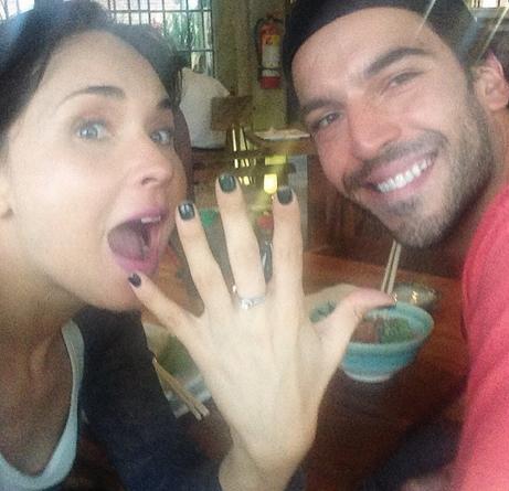 Adriana Louvier comprometida