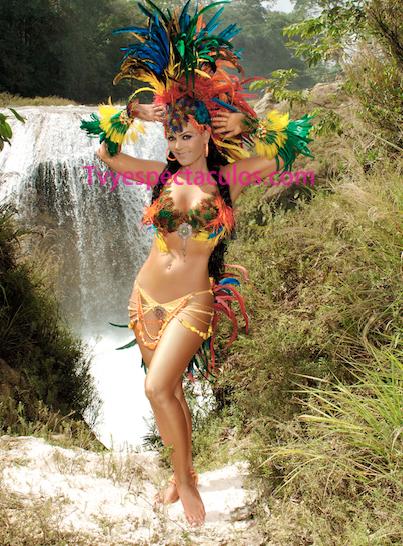 Maribel Guardia en bikini