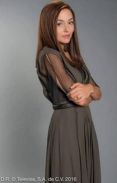 Ana Laura de Tres veces Ana