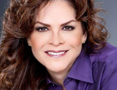 Se dice que Mara Patricia Castañeda tiene romance con un joven reportero