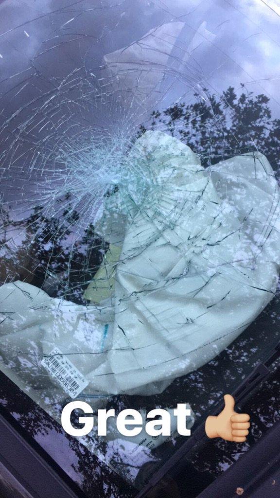 auto chocado de Eiza gonzález