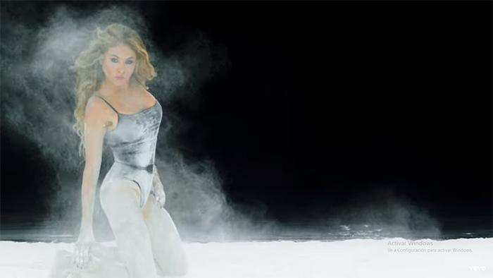 Paulina Rubio en video Desire
